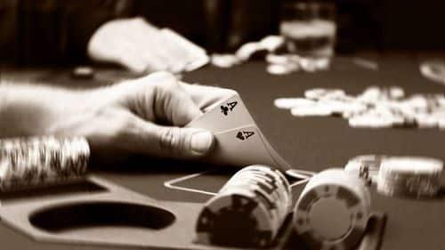 نگاهی کوتاهی به بازی پوکر