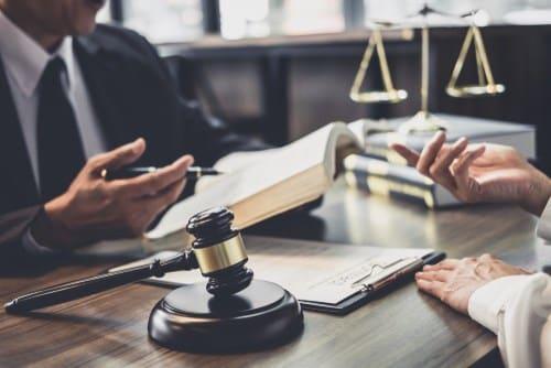 اختیارات وکیل سایت شرط بندی