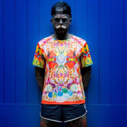 آدام کرلی انسان 90٪ بدن خود را با تتو پوشانده است
